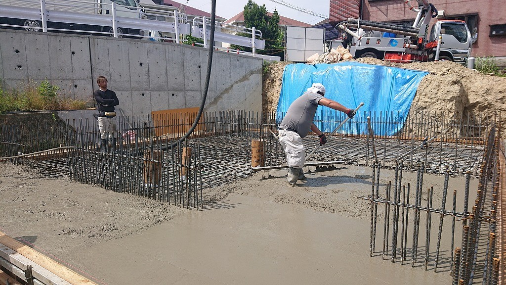 1Fベースコンクリート打設 (53)